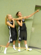 Laura Zdravevska und Leonie